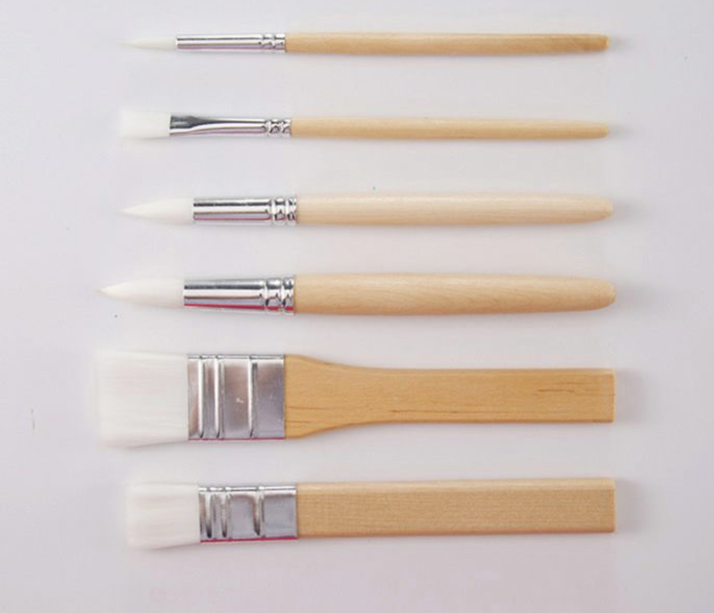 Brush set 6 pcs very handy for detailing and small projects